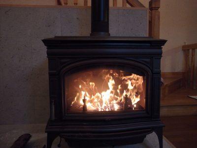 薪ストーブの選び方(燃焼効率などの比較)
