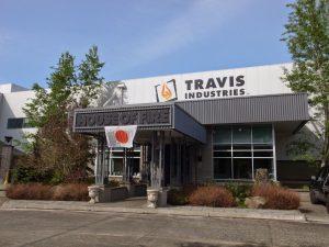 トラビス社